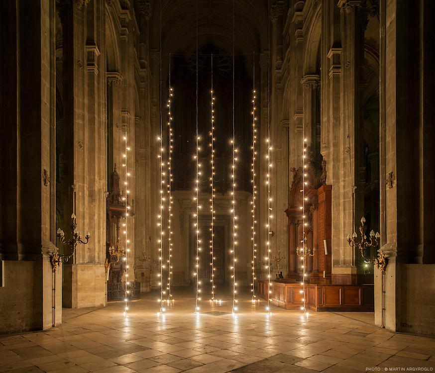 Nuit Blanche 2013. Felix Gonzalez-Torres - Untitled (North), 1993, Untitled (Last Light), 1993 (Église Saint-Eustache)