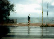 Un uomo corre sul lungomare di Livorno<br /> 27 aprile 2014 . Daniele Stefanini /  OneShot