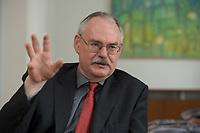 08 MAY 2012, BERLIN/GERMANY:<br /> Prof. Dr. Gert G. Wagner, Vorstandsvorsitzender DIW Berlin, waehrend einem Interview, in seinem Buero, Deutsches Institut für Wirtschaftsforschung e.V. <br /> IMAGE: 20120508-02-009<br /> KEYWORDS: Gerd Wagner