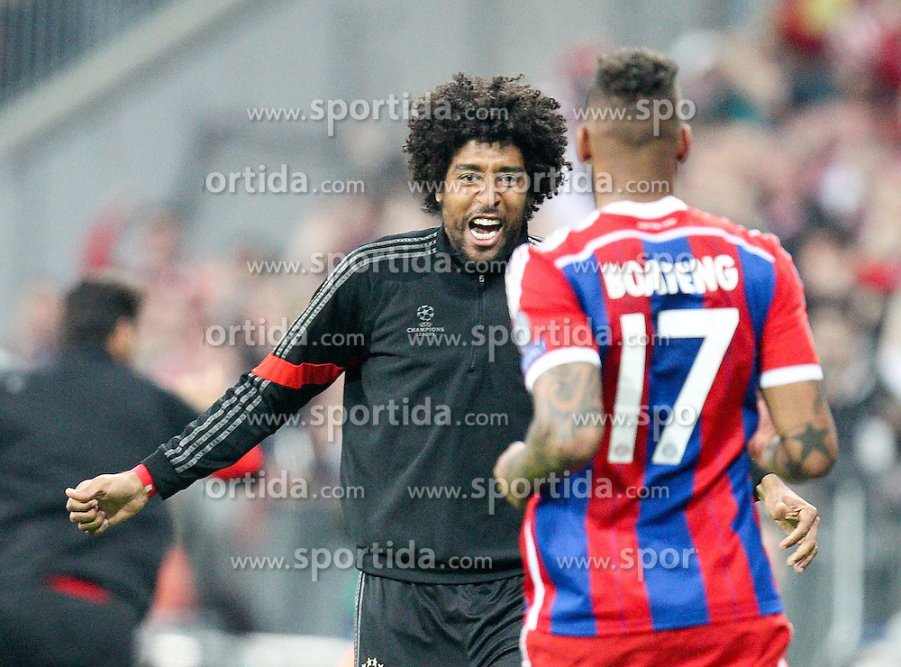 21.04.2015, Allianz Arena, Muenchen, GER, UEFA CL, FC Bayern Muenchen vs FC Porto, im Bild l-r: Torjubel von Dante #4 (FC Bayern Muenchen) und Jerome Boateng #17 (FC Bayern Muenchen) // during the UEFA Semi Final 2nd Leg Match between FC Bayern Munich and FC Porto at the Allianz Arena in Muenchen, Germany on 2015/04/21. EXPA Pictures &copy; 2015, PhotoCredit: EXPA/ Eibner-Pressefoto/ Kolbert<br /> <br /> *****ATTENTION - OUT of GER*****