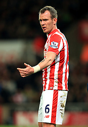 Glenn Whelan of Stoke City gestures - Mandatory by-line: Matt McNulty/JMP - 18/04/2016 - FOOTBALL - Britannia Stadium - Stoke, England - Stoke City v Tottenham Hotspur - Barclays Premier League