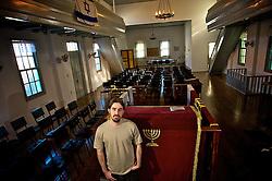 Enzo Seligman Grazioli faz parte da comunidade judaica localizada no interior do município de Itaará. Lá encontra-se o cemitério da fazenda Philippson que abriga os corpos dos imigrantes, que formaram no local a primeira Comunidade Judaíca do País no ano de 1904.  FOTO: Lucas Uebel/Preview.com