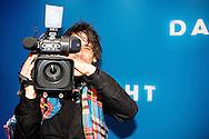 AMSTERDAM - In het Tuschinski Theater is de Nederlandse Triller 'Daglicht' in Premiere gegaan. Met op de foto  cameraman Jaap Hilhorst. FOTO LEVIN DEN BOER - PERSFOTO.NU