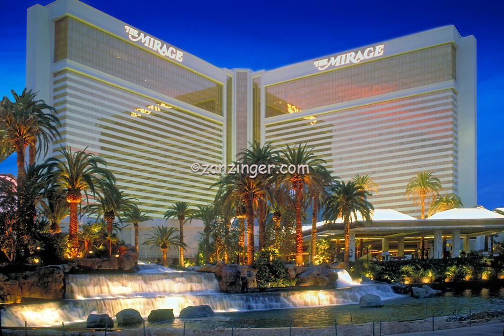 Mirage,, Las Vegas, Fountain, Pool, Resort, lit at night, Casinos; Hotels; Strip; gambling; shopping, Dramatic Breathtaking Photo