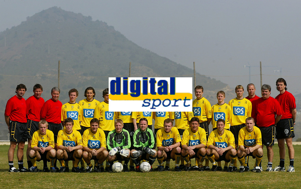 Fotball - Treningsleir La Manga 2002 - Lagbilde Start. <br />