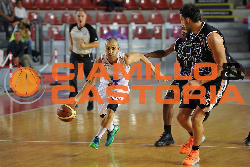 DESCRIZIONE : Roma LNP Serie A2 Ovest 2015-16 Acea Roma Orsi Tortona<br /> GIOCATORE : Simone Bonfiglio<br /> CATEGORIA : palleggio<br /> SQUADRA : Acea Roma<br /> EVENTO : Campionato Serie A2 Ovest 2015-2016<br /> GARA : Acea Roma Orsi Tortona<br /> DATA : 04/10/2015<br /> SPORT : Pallacanestro <br /> AUTORE : Agenzia Ciamillo-Castoria/G.Masi<br /> Galleria : Serie A2 Ovest 2015-2016<br /> Fotonotizia : Roma Serie A2 Ovest 2015-16 Acea Roma Orsi Tortona