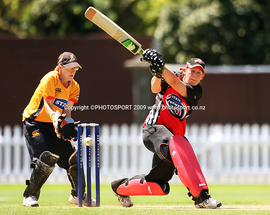 Wellington keeper Andrea Stockwell watches as Anna Dodd's ball beats Maria Fahey to bowl the Canterbury opener.<br /> State League 20/20 final. Wellington Blaze v Canterbury Magicians at Allied Prime Basin Reserve, Wellington. Saturday, 25 January 2009. Photo: Dave Lintott/PHOTOSPORT