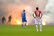 © Filippo Alfero<br /> Italia-Croazia, qualificazioni Europei 2016<br /> Milano, 16/11/2014<br /> sport calcio<br /> Nella foto: Darijo Srna e Giorgio Chiellini osservano i fumogeni lanciati in campo dai tifosi croati