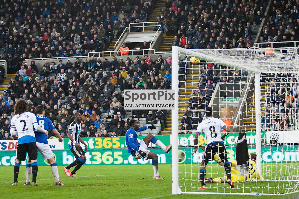 Lukaku shoots over the bar in the Newcastle v Everton 26 December 2015<br /><br />(c) Russell G Sneddon / SportPix.org.uk