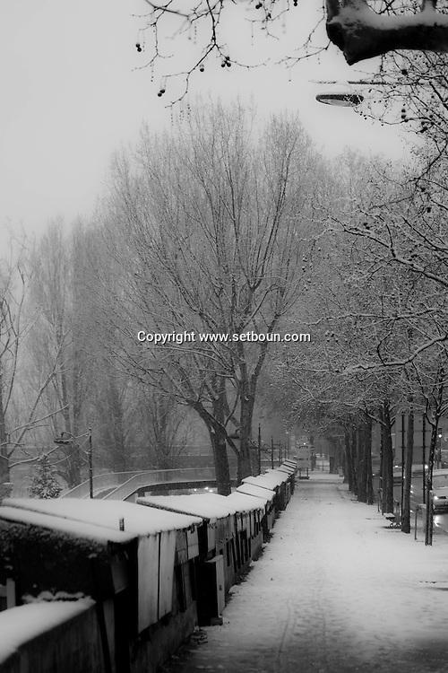 France. Paris 4th. Hotel de ville Quay Paris under the snow / paris sous la neige en hiver