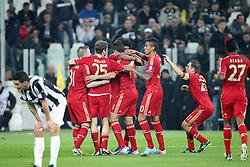 10.04.2013, Juventus Stadium, Turin, ITA, UEFA Champions League, Juventus Turin vs FC Bayern Muenchen, Viertelfinale, Rueckspiel, im Bild Torjubel von links Bastian SCHWEINSTEIGER #31 (FC Bayern Muenchen), Thomas MUELLER #25 (FC Bayern Muenchen), Claudio PIZZARRO #14 (FC Bayern Muenchen), DANTE #4 (FC Bayern Muenchen), LUIZ GUSTAVO #30 (FC Bayern Muenchen), Philipp LAHM #21 (FC Bayern Muenchen) und David ALABA #27 (FC Bayern Muenchen) // during the UEFA Champions League best of eight 2nd leg match between Juventus FC and FC Bayern Munich at the Juventus Stadium, Torino, Italy on 2013/04/10. EXPA Pictures © 2013, PhotoCredit: EXPA/ Eibner/ Kolbert..***** ATTENTION - OUT OF GER *****