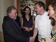 David Bailey, Saffron Burrows and Gordon Ramsay and Lucy Yeomans. David Bailey dinner hosted by Lucy Yeomans at Gordon Ramsay at Claridge's. 12 November 2001. © Copyright Photograph by Dafydd Jones 66 Stockwell Park Rd. London SW9 0DA Tel 020 7733 0108 www.dafjones.com
