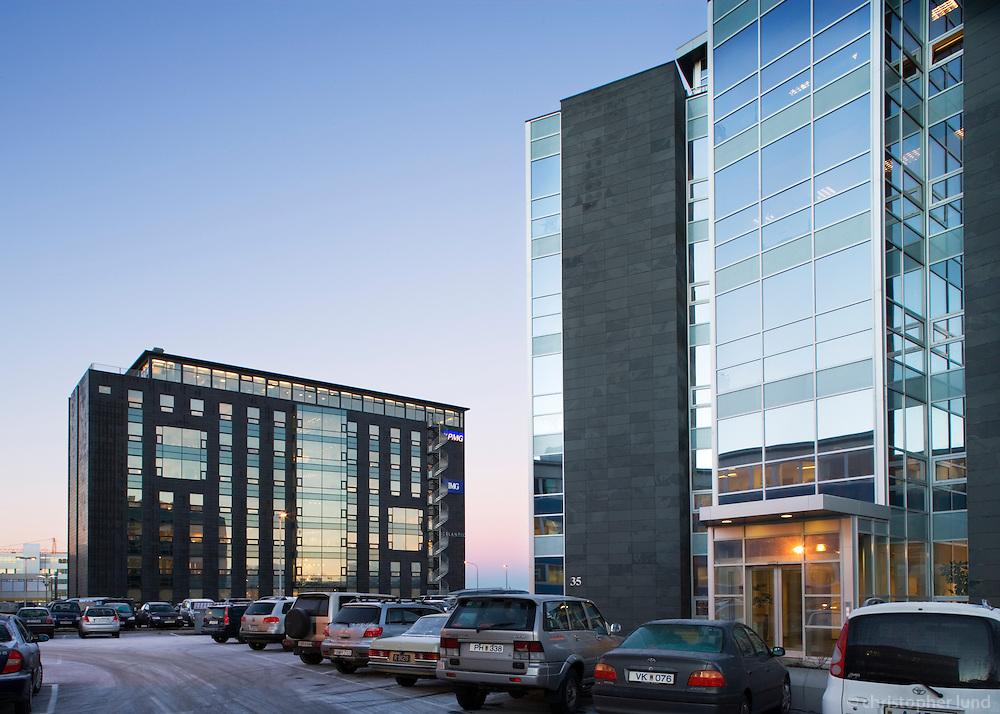 Hús atvinnulífsins við Borgartún 35, Reykjavík. KPMG húsið í baksýn. / Office buildings at Borgartun, Reykjavik.