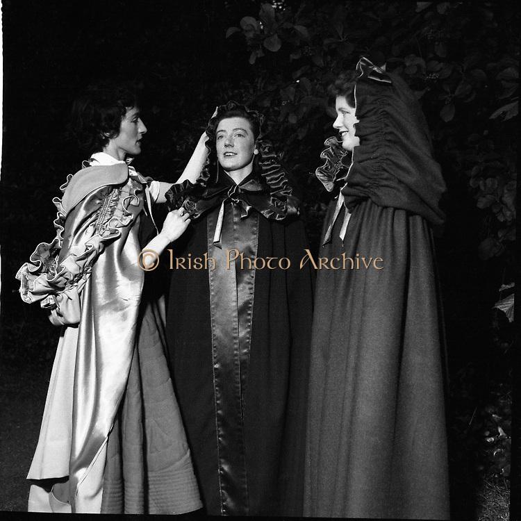 Kinsale Cloaks at Festival in iveagh Gardens.02/04/1957