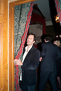 DAVID HEYMAN, - Dinner at hosted by Ivor Braka at his home in Chelsea after the opening of Kelley Walker at the Thomas Dane Gallery. London. 13 October 2010. -DO NOT ARCHIVE-© Copyright Photograph by Dafydd Jones. 248 Clapham Rd. London SW9 0PZ. Tel 0207 820 0771. www.dafjones.com.