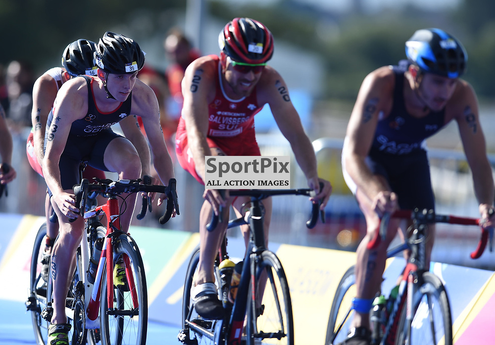 Great Britain's Barclay Izzard in action in the Men's Elite Standard Race, ETU Triathlon,  European Championships, Strathclyde Park, Motherwell Scotland, Friday 10 August 2018, (c) Angie Isac | SportPix.org.uk