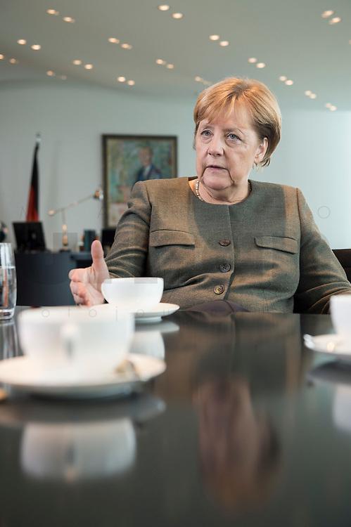 13 SEP 2017, BERLIN/GERMANY:<br /> Angela Merkel, CDU, Bundeskanzlerin, waehrend einem Interview, in Ihrem Buero, Bundeskanzlerin<br /> IMAGE: 20170917-01-001<br /> KEYWORDS: Büro