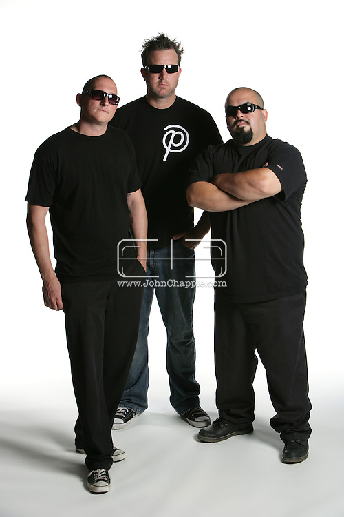 31st May 2009. Los Angeles, California. Meet Me At The Pub band members Jeremy Parker, Michael Sullivan and Jack Carlos pictured at The Good Hurt. PHOTO © JOHN CHAPPLE / www.chapple.biz (001) 310 570 9100