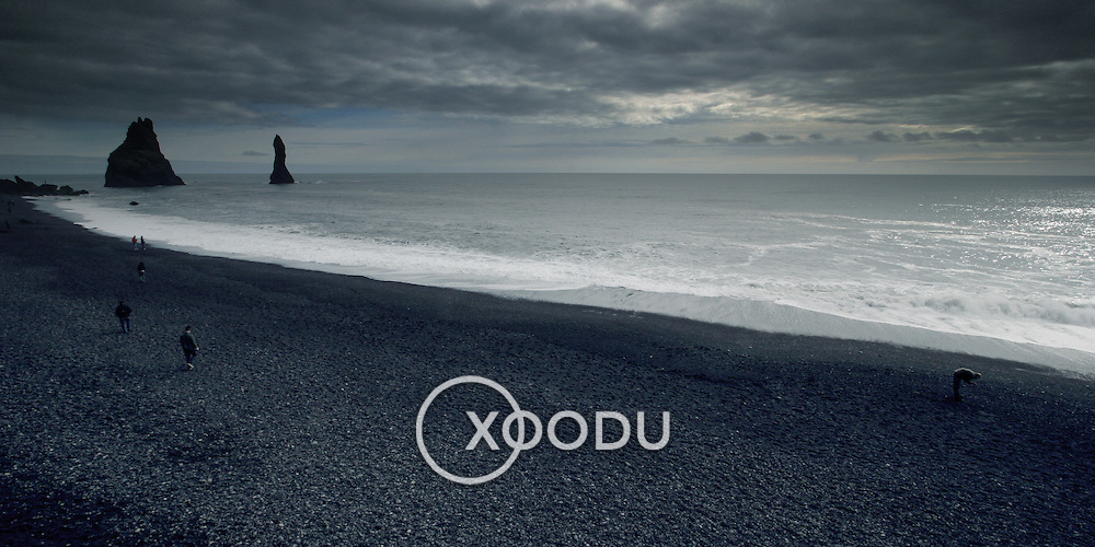Vik black sand beach, Vik, Iceland (August 2006)