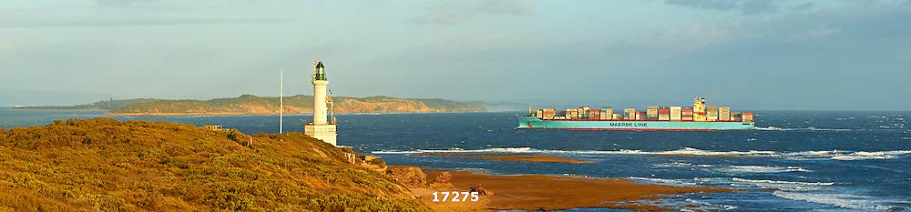 ship entering Port Phillip Bay