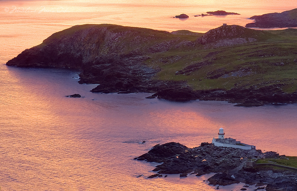 Irish Lighthouse Iveragh Peninsula Valentia Island, County Kerry Ireland / vl095_2