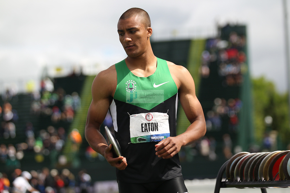 Ashton Eaton prepares to compete during the discus throw for the Decathlon during day 2 of the U.S. Olympic Trials for Track & Field at Hayward Field in Eugene, Oregon, USA 23 Jun 2012..(Jed Jacobsohn/for The New York Times)....