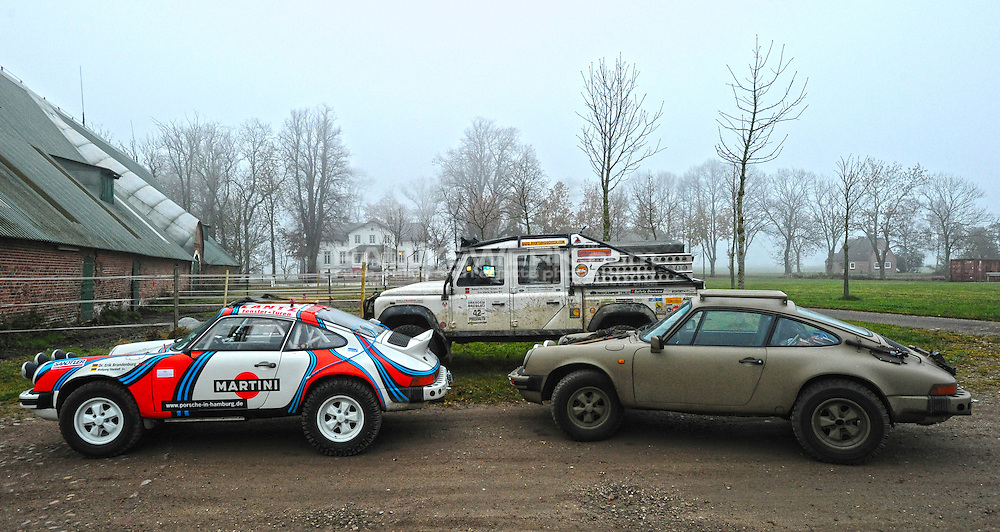 Porsche 911 Safari.Dr. Erik Brandenburg (Brandenburg Racing) competing in the 2007 Transsyberia Rallye