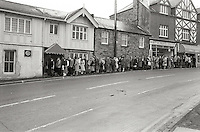 Queue for jobs outside the Woodstock Diner, Ecclesall Road South, Sheffield, now the Prince of Wales. There were 50 vacancies for which 1500 people applied. 7 Feb 83