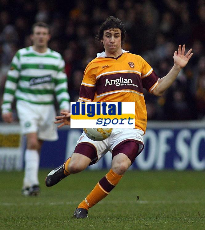 Photo: Paul Thomas.<br /> Motherwell v Glasgow Celtic. Bank of Scotland Scottish Premier League. 30/12/2006.<br /> <br /> Very late goal scorer Darren Smith in action.
