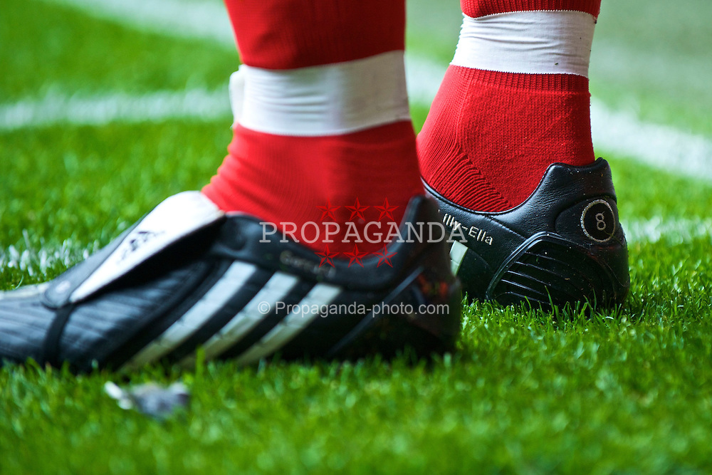 LIVERPOOL, ENGLAND - Saturday, September 26, 2009: The boots of Liverpool's captain Steven Gerrard MBE, embroaided with the name of his daughter Lilly-Ella, during the Premiership match at Anfield. (Photo by: David Rawcliffe/Propaganda)