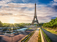 Als Trocadero werden mehrere Grünanlagen und Gebäude bezeichnet, die während der Weltausstellung von 1937 errichtet wurden.