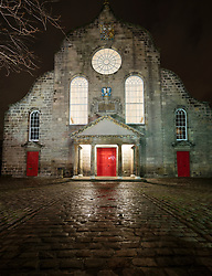 Night view of Canongate Kirk on the Royal Mile in Edinburgh Old Town , Scotland, UK