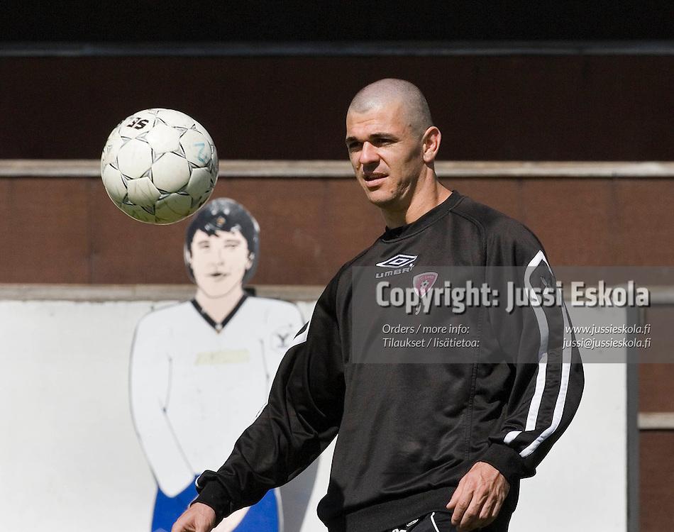 Rafael.&amp;#xA;FC Lahden harjoitukset, Kisapuisto, Lahti, 2.6.2006.&amp;#xA;Photo: Jussi Eskola<br />