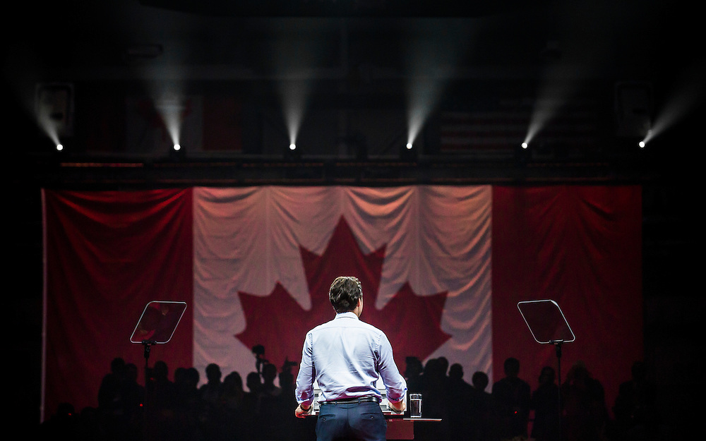 Liberal leader Justin Trudeau speaks at a campaign rally in Brampton, Ontario, Canada October 4, 2015.  Canadians will go to the polls for a federal election on October 19.   REUTERS/Mark Blinch