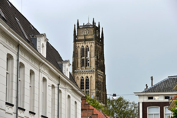Nederland, Zaltbommel, 19-8-2014Het oude centrum van dit stadje,stad, staat de St. Maartenskerk met zijn typische stompe toren.De kerk is sinds de beeldenstorm in gebruik door de protestanten als hervormde kerk.FOTO: FLIP FRANSSEN/ HOLLANDSE HOOGTE