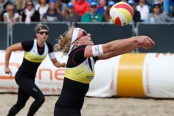 20140816 NED: NK Beachvolleybal 2014, Scheveningen<br /> Laura Bloem, Marloes Wesselink <br /> ©2014-FotoHoogendoorn.nl / Pim Waslander