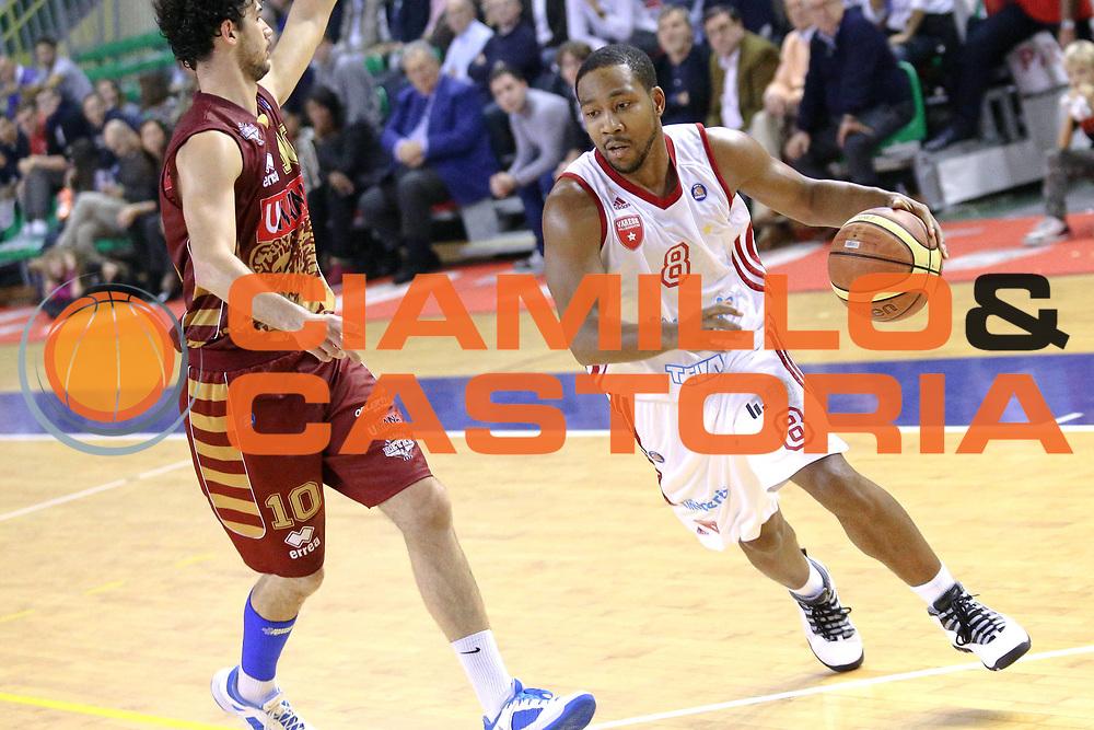 DESCRIZIONE : Milano Lega A 2013-14 Cimberio Varese vs Umana Reyer Venezia <br /> GIOCATORE : Clark Keyden<br /> CATEGORIA : Palleggio<br /> SQUADRA : Cimberio Varese<br /> EVENTO : Campionato Lega A 2013-2014<br /> GARA : Cimberio Varese vs Umana Reyer Venezia<br /> DATA : 27/10/2013<br /> SPORT : Pallacanestro <br /> AUTORE : Agenzia Ciamillo-Castoria/I.Mancini<br /> Galleria : Lega Basket A 2013-2014  <br /> Fotonotizia : Milano Lega A 2013-14 EA7 Cimberio Varese vs Umana Reyer Venezia<br /> Predefinita :