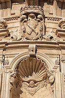 Chiesa di San Mtteo. Si racconta che l'architetto Achille Larducci nel realizzare la sontuosa fabbrica dalle forme curvilinee, nel 1667, volesse omaggiare la chiesa borrominiana di San Carlo alle Quattro Fontane a Roma. Sorta su una precedente costruzione quattrocentesca, pertinente a un convento di Terziarie Francescane, la chiesa ha una facciata a due ordini, divisa da un'aggettante cornice curvilinea, mentre l'interno presenta un'ampia navata ellittica, scandita da paraste su cui sono collocate le statue degli Apostoli. Le monache assistevano alle funzioni liturgiche dalle bifore della navata.