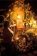 MEXICO, PATZCUARO, FESTIVALS Days of the Dead; altar in the cemetery