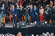 Koningsdag 2017 in Tilburg / Kingsday 2017 in Tilburg<br /> <br /> Op de foto / On the photo:  Guus Meeuwis en Roy Donders