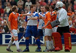 05-06-2005 HOCKEY: FINALE PLAYOFFS: BLOEMENDAAL-ORANJE ZWART: BLOEMENDAAL<br /> De hockeyers van Oranje Zwart zijn voor het eerst in hun bestaan landskampioen geworden. De Eindhovense club klopte Bloemendaal in het beslissende play-off-duel met 3-1 / <br /> Jay Stacy<br /> ©2005-WWW.FOTOHOOGENDOORN.NL