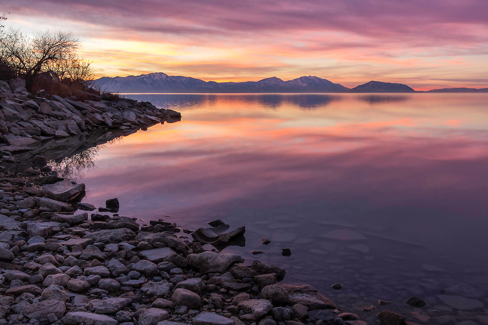 Sunrise on the shores of Utah Lake on a cold Winter morning.