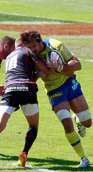 Julien Pierre cuts his cheek on the shoulder of Toby Flood of Stade Toulouse.  Stade Toulousain v ASM Clermont Auvergne, Stade Ernest Wallon, Samedia 13 September 2014. Top 14 5eme Journee.