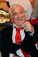Jean Paul Belmondo receive honnor of boxe