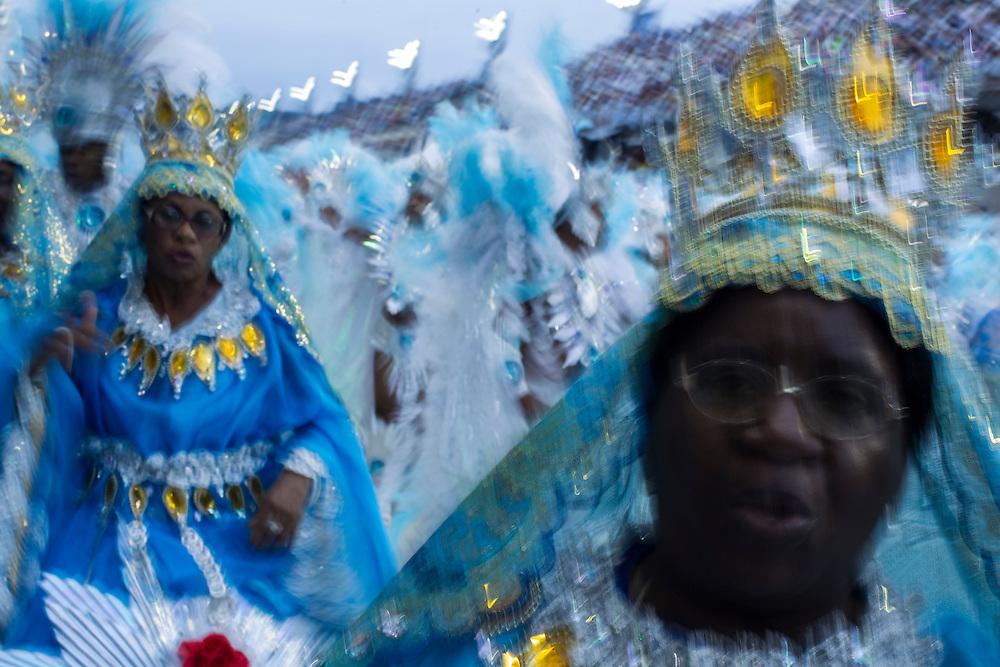 Rio de Janeiro, RJ, Brazil, 08/03/2011, 06h23:  Samba dancers in Rio de Janeiro's 2011 Carnival, at Marquês de Sapucaí avenue.  (photo: Caio Guatelli)RIO DE JANEIRO, Brazil - March 08 of 2011: Samba dancers in Rio de Janeiro's 2011 Carnival, at Marquês de Sapucaí avenue.  (photo: Caio Guatelli)
