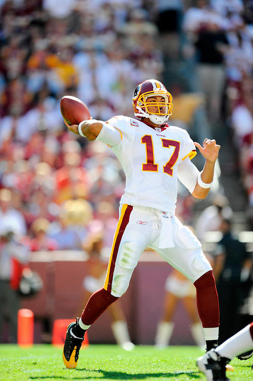 LANDOVER, MD - OCTOBER 12: Jason Campbell #17 of the Washington Redskins passes against the St. Louis Rams at FedEx Field on October 12, 2008 in Landover, Maryland. The Rams defeated the Redskins 19-17.(Photo by Rob Tringali/Sportschrome/ Images) *** Local Caption *** Jason Campbell