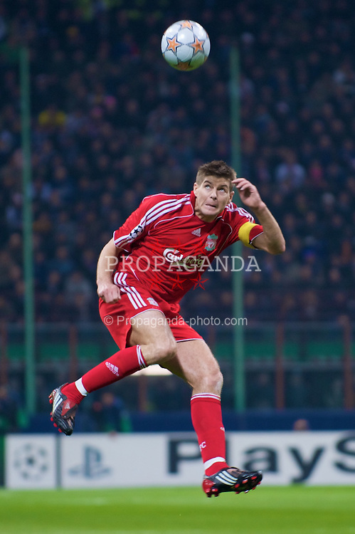 MILAN, ITALY - Tuesday, March 10, 2008: Liverpool's captain Steven Gerrard MBE in action against FC Internazionale Milano during the UEFA Champions League First knockout Round 2nd Leg match at the San Siro. (Pic by David Rawcliffe/Propaganda)