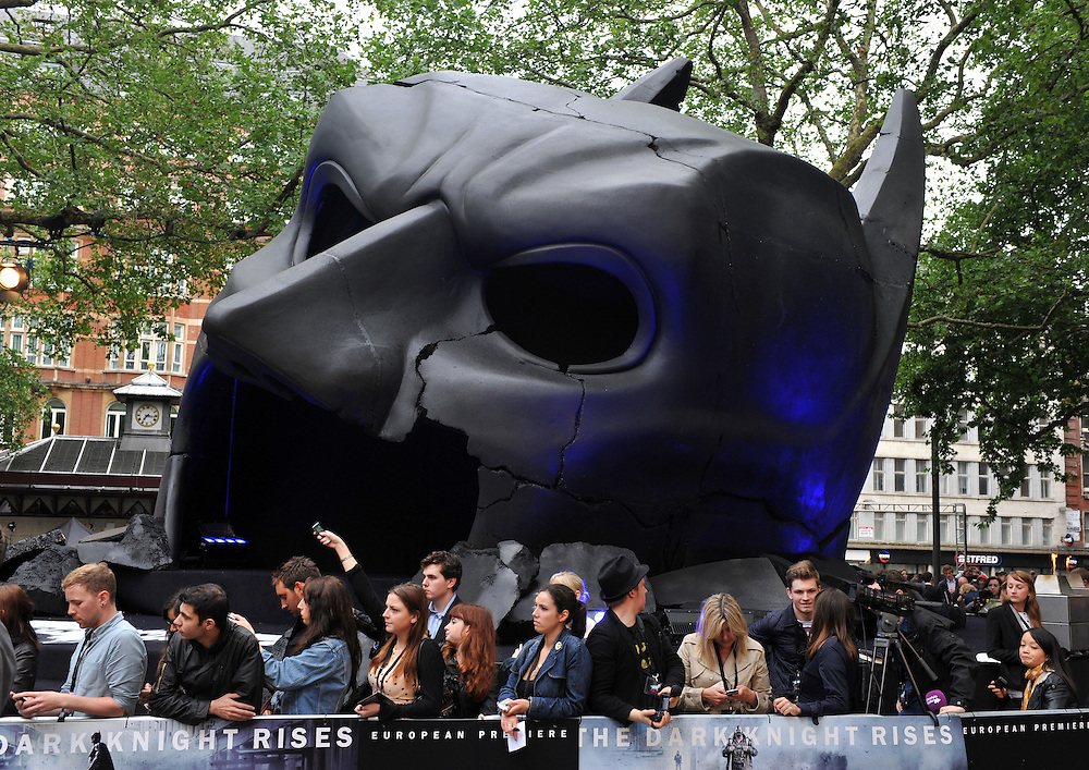"© Copyright by Stefan Reimschuessel. .All Rights Reserved..stefan@reimsphotography.com.http://reimsphotography.com/.Premiere of ""Batman - The Dark Knight Rises"" at Leicester Square.  London 18July 2012.."