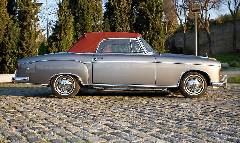 Mercedes 220 SL