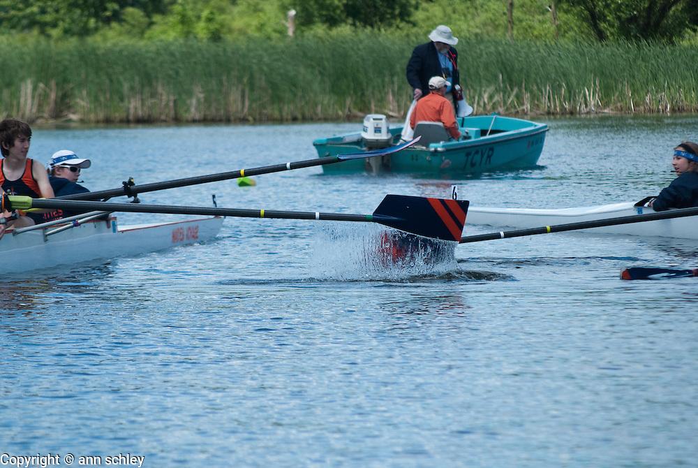 Clashing Oars